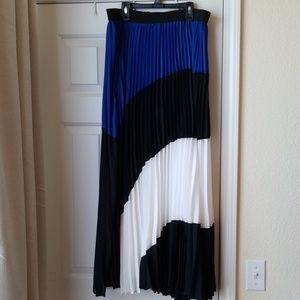 LaneBryant long , pleated skirt. New. Blue,  white